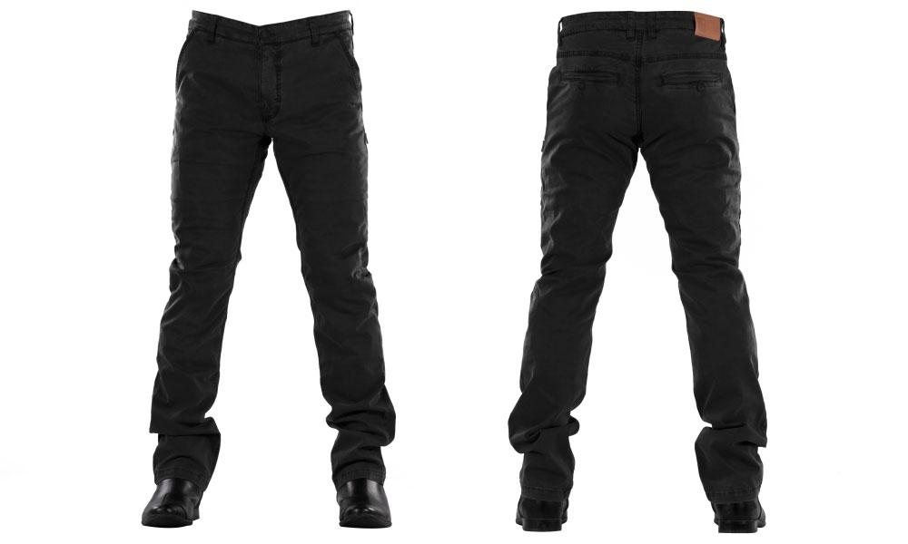 Pantalón chino de Overlap en negro