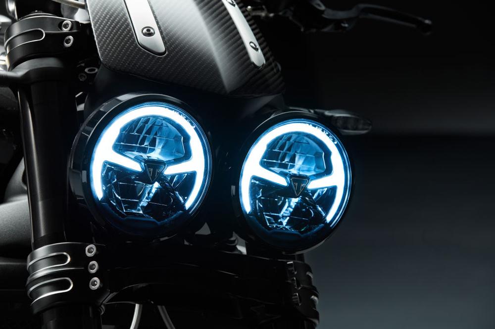 El doble faro de la Triumph Rocket 3 ahora es de LED