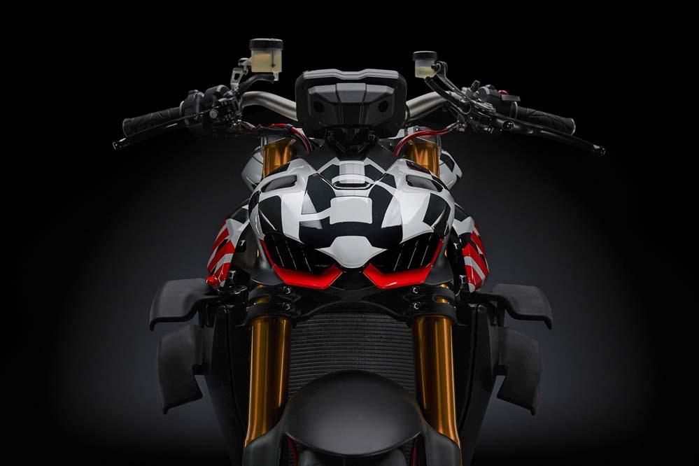 Los colores de la Ducati Streetfighter V4 no serán estos, pero sí sus formas definitivas