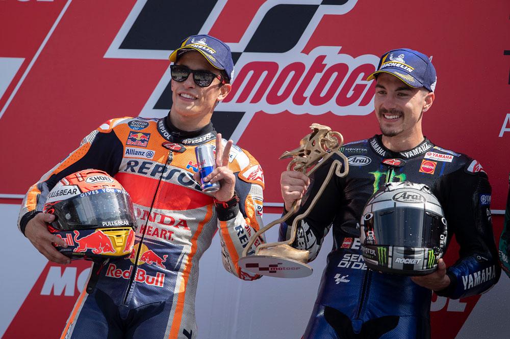 Marc Márquez y Maverick Viñales en el podio del GP de Holanda