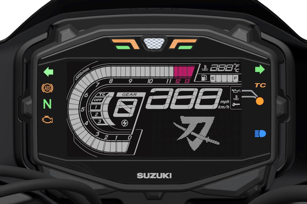 El cuadro de instrumentos de la Suzuki Katana 2019 es una pantalla LCD con el icono de la espada Samurai