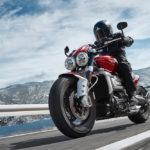 Triumph Rocket 3 GT y R. Vuelve el mito de las motos cruiser británicas