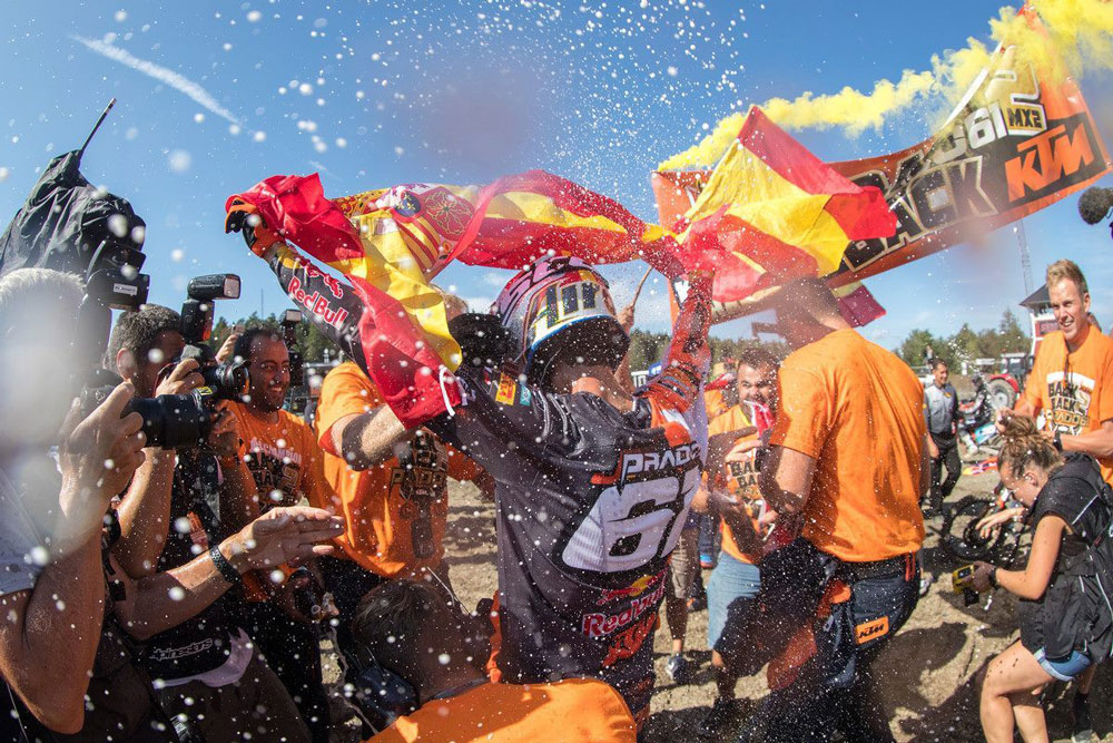 Jorge Prado celebró en Suecia su segundo titulo mundial de Motocross MX2
