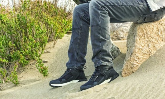 Ridge, las zapatillas para moto de Vquattro Design