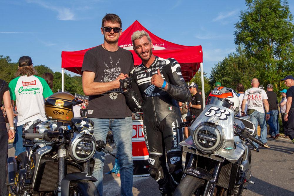 Alex Polita y el piloto del TT de la Isla de Man, Connor Cummins, en el Glemseck 101