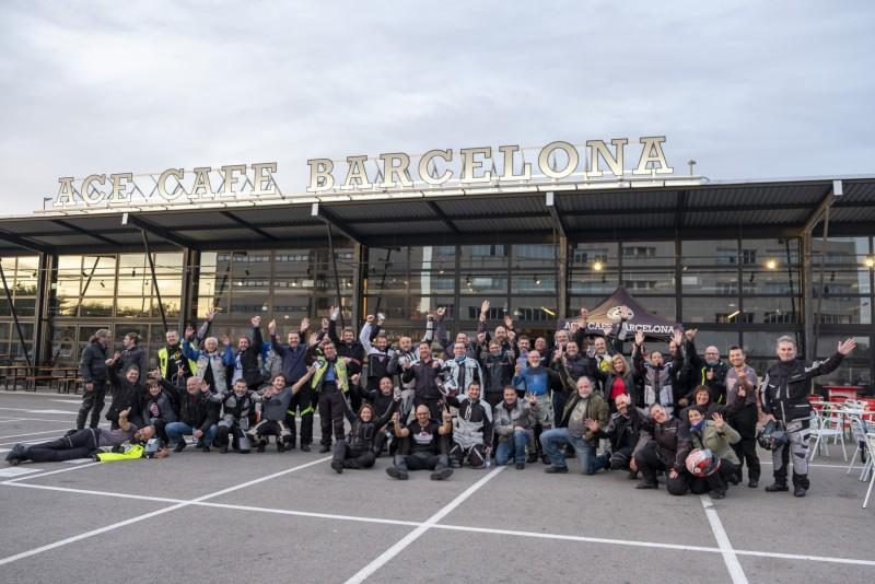 Salida de Barcelona del Coast2Coast Triumph 2019