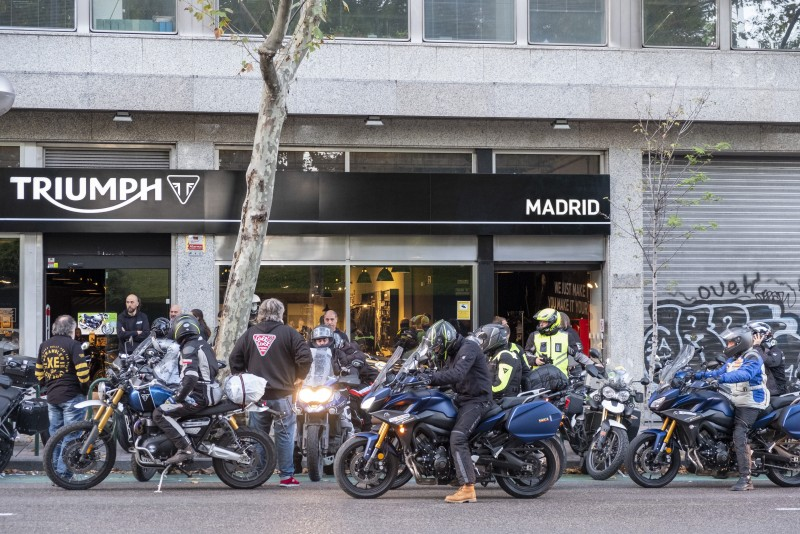 Llegada a Madrid del Coast2Coast Triumph 2019