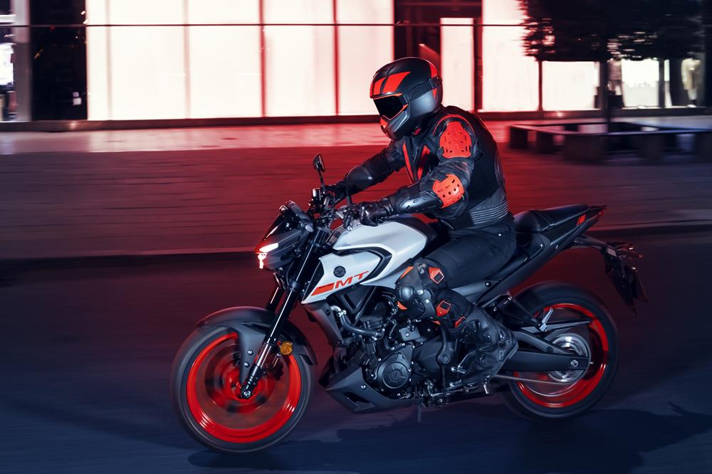 La Yamaha MT 03 sigue fiel a su motor de dos cilindros en paralelo