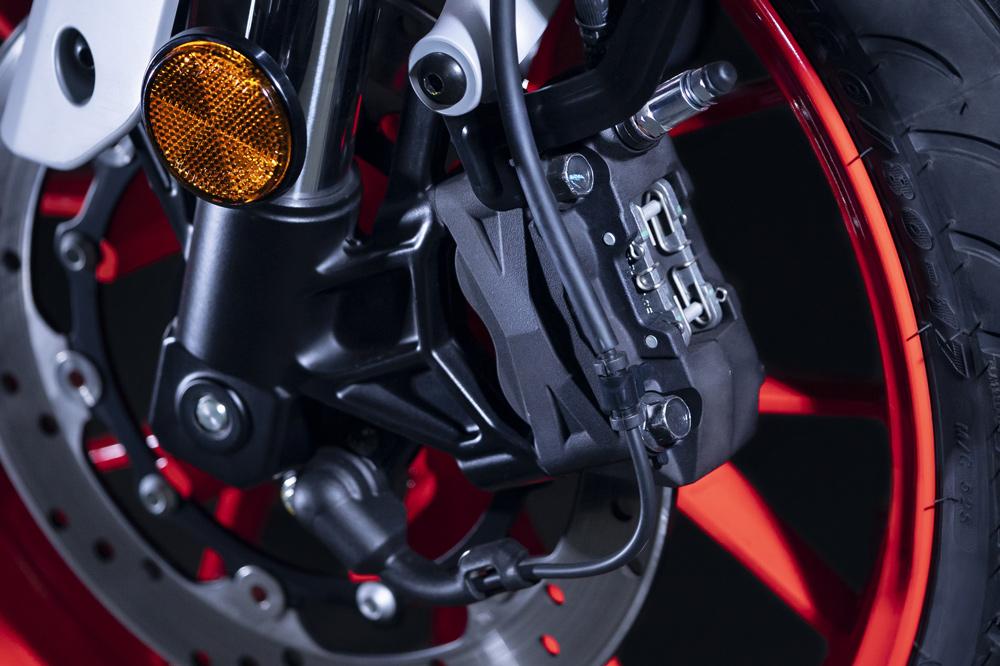 Freno delantero de la Yamaha MT 125 con pinza radial