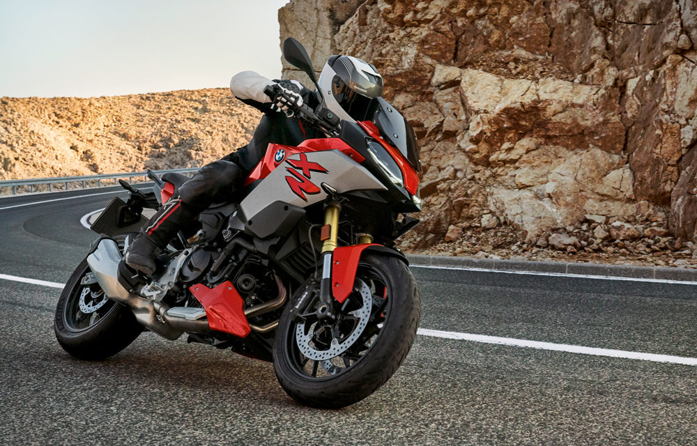 BMW F 900 R y XR: Naked o Trail Asfáltica, tú decides