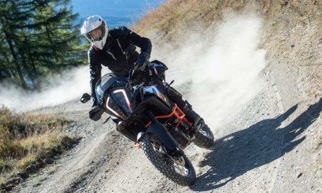 J-Zero, P-Zero y G-Zero, el conjunto de invierno para moto de T.ur