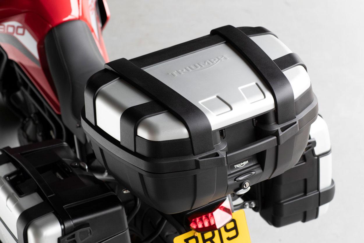 Entre los accesorios de las Triumph Tiger 900 destaca el juego de maletas desarrollado conjuntamente con Givi