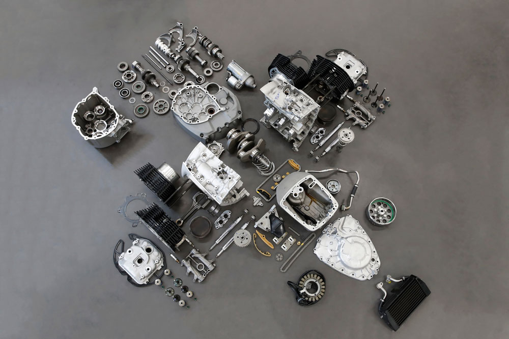 El motor boxer de la BMW R18 conserva algunos anacronismos que serán la delicia de sus propietarios