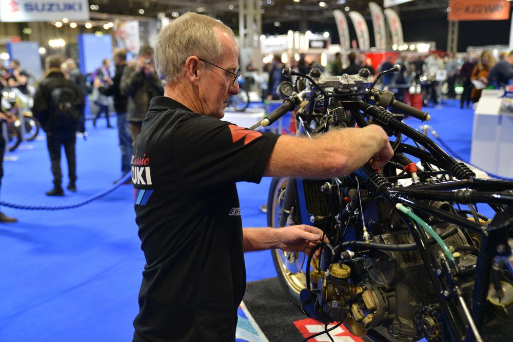 La restauración de la Suzuki de Barry Sheene fue todo un espectáculo en el Motorcycle Live de Birmingham