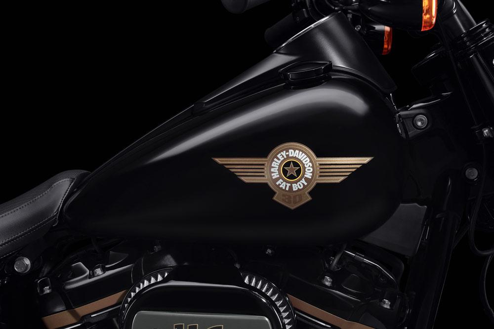 Nuevo emblema 30 Aniversario de la Harley Davidson Fat Boy