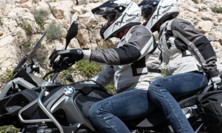 ¿Se pueden ir dos personas en moto en la desescalada del COVID-19?