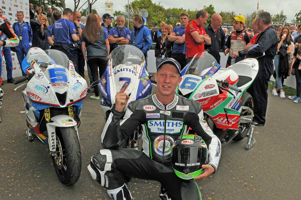 Gary Johnson victoria en el TT de la Isla de Man