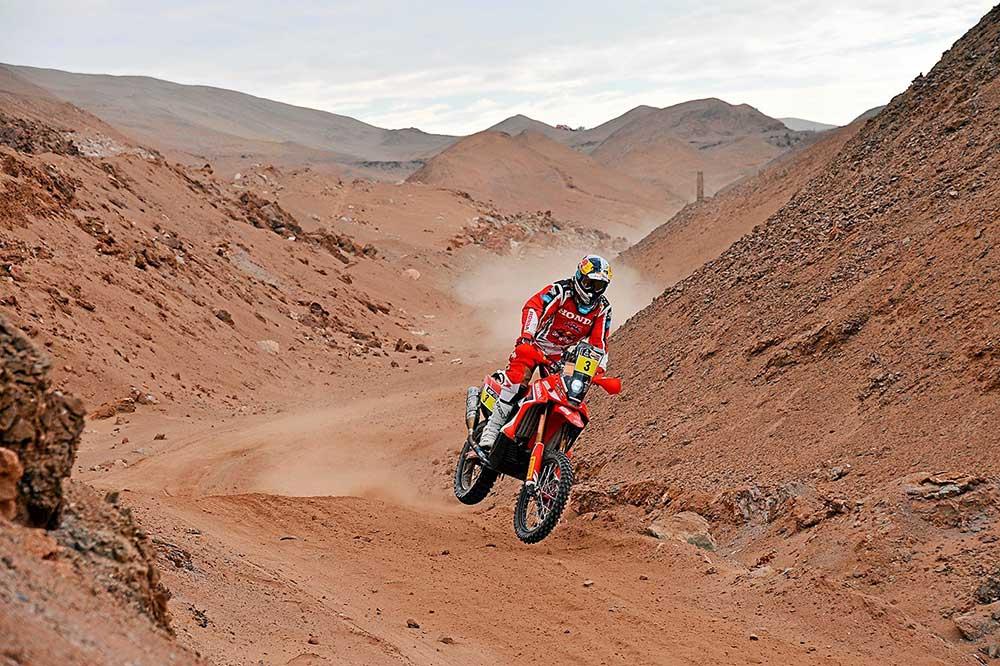 Muchas de las cosas que Honda ha ensayado en las motos del Dakar la encontramos ahora en las motos de calle como la Africa Twin