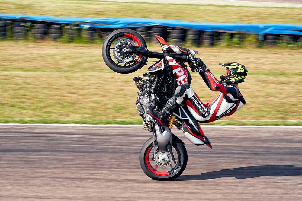 La Ducati Hypermotard RVE añade sistema de cambio semi automático
