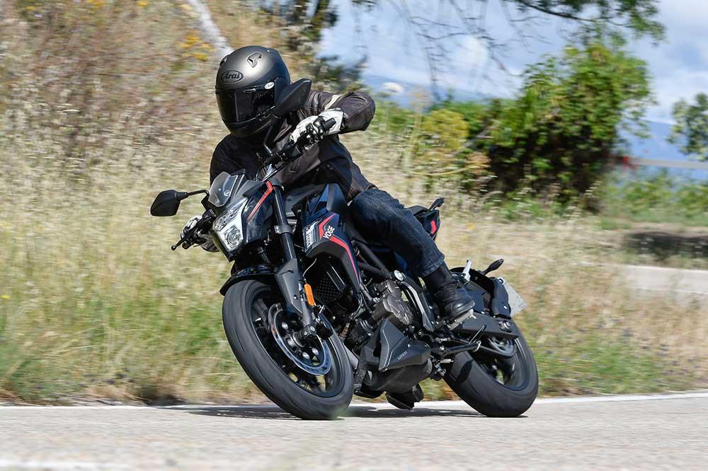 VOGE 300R una moto naked para el A2