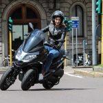 Razones para pasarte a la moto o el scooter