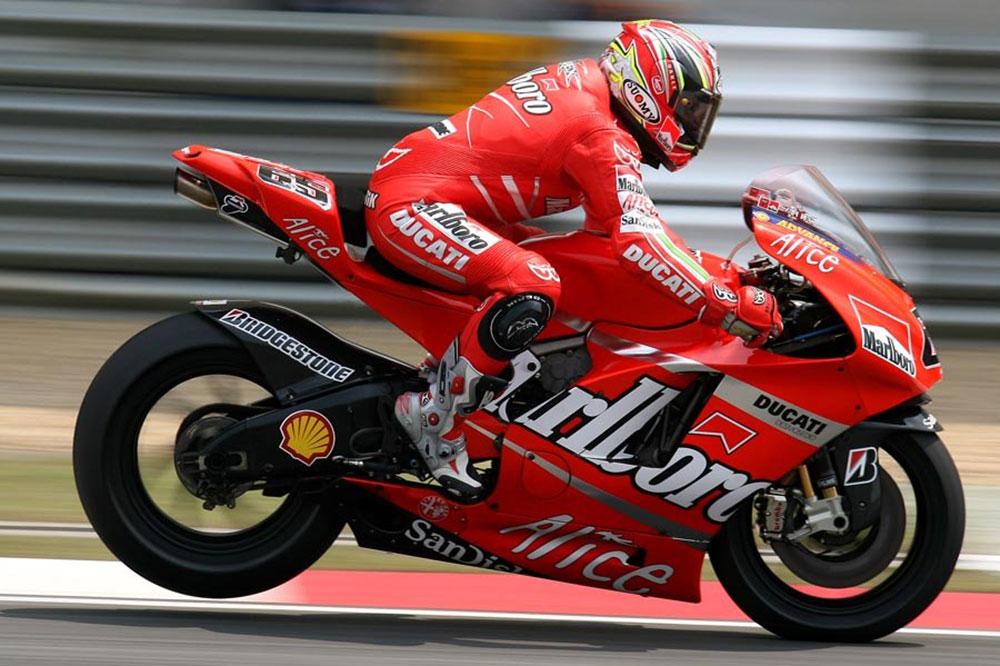 Loris Capirossi logró la primera victoria de la Ducati Desmosedici GP
