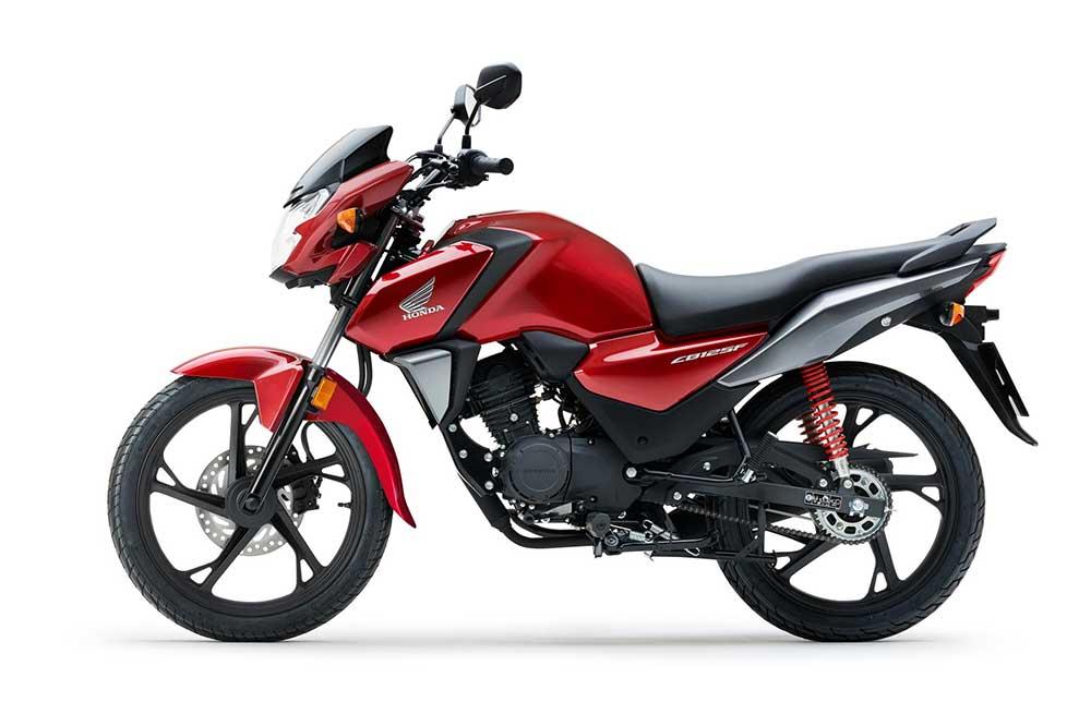 El motor de la Honda CB 125F es completamente nuevo y se nutre de la experiencia de los de los scooter PCX o SH 125 Scoopy