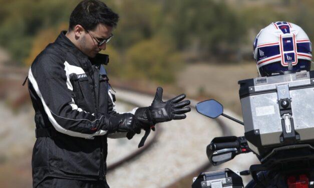 Seventy Degrees nos da 5 claves para elegir los guantes de moto
