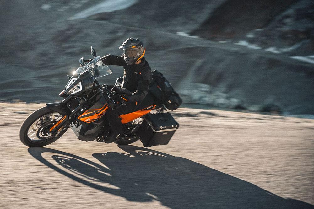 La KTM 890 Adventure ofrece un plus de prestaciones frente a la 790