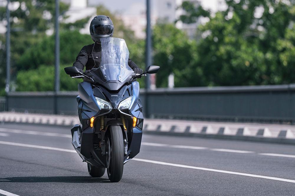 """El Honda Forza GT es un """"todo en uno"""", posiblemente con este scooter no te haga falta tener una segunda moto para el fin de semana"""