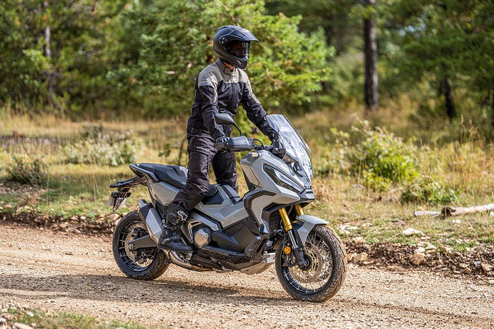 El Honda X ADV estrena un motor más eficiente y algo más potente
