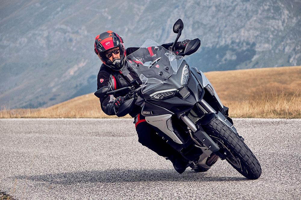 La electrónica de la Ducati Multistrada V4 es exagerada. Una unidad de medición inercial gobierna el motor.