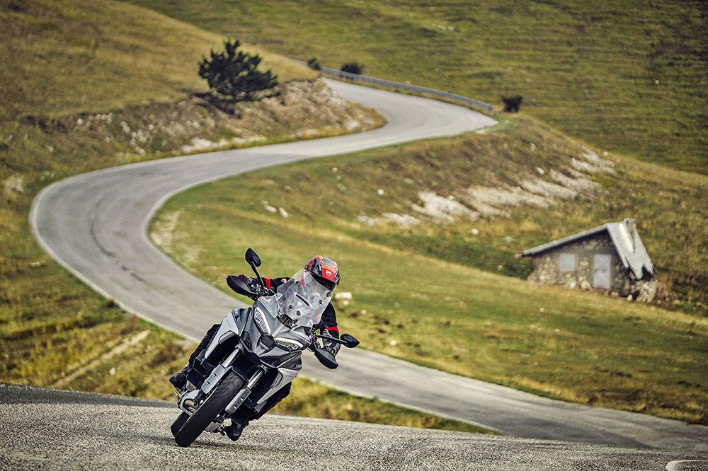 Ducati presenta la Multistrada V4 como la moto de turismo total