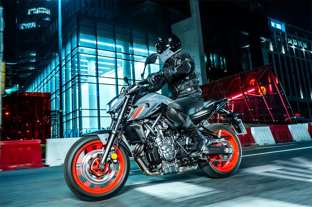 Ya tienes en el mercado seguros a todo riesgo para la Yamaha MT 07 a precios muy interesantes