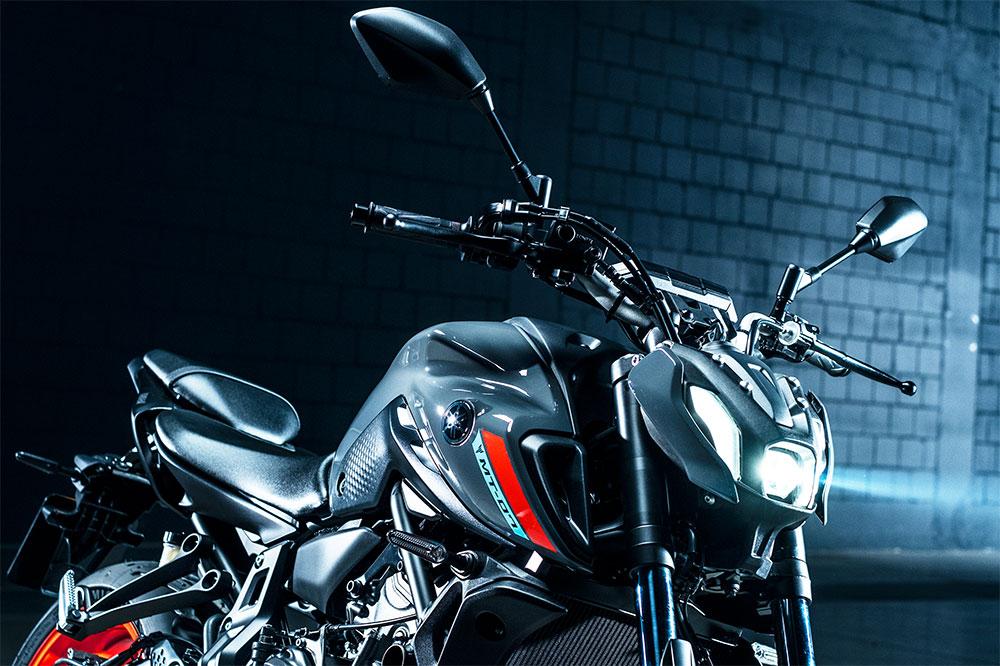 """El frontal con faros de LED de la Yamaha MT 07 comparte el mismo estilo que """"su hermana"""" 09"""