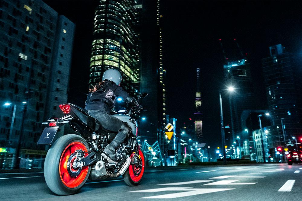 La Yamaha MT 07 tiene un precio de 6.799 euros