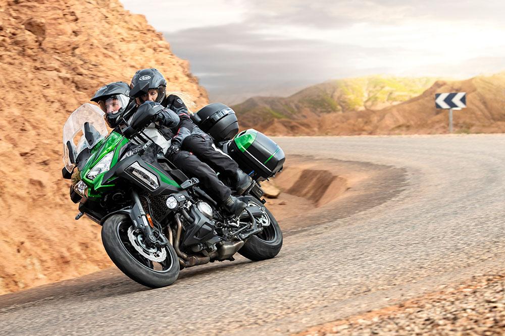 Con las nuevas suspensiones electrónicas Showa, la Kawasaki Versys 1000 SE da un paso de gigante en cuanto a sus capacidades ruteras