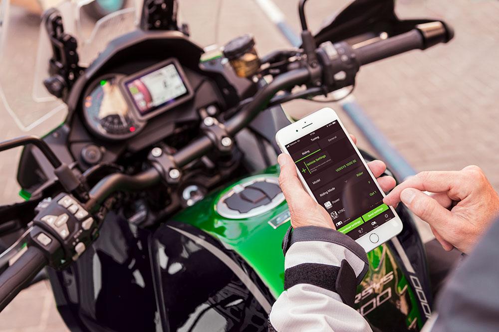 Con la APP Rideology de Kawasaki puedes controlar todos los parámetros de la moto.