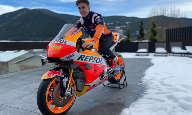 Pol Espargaró se viste con los colores del Repsol Honda HRC