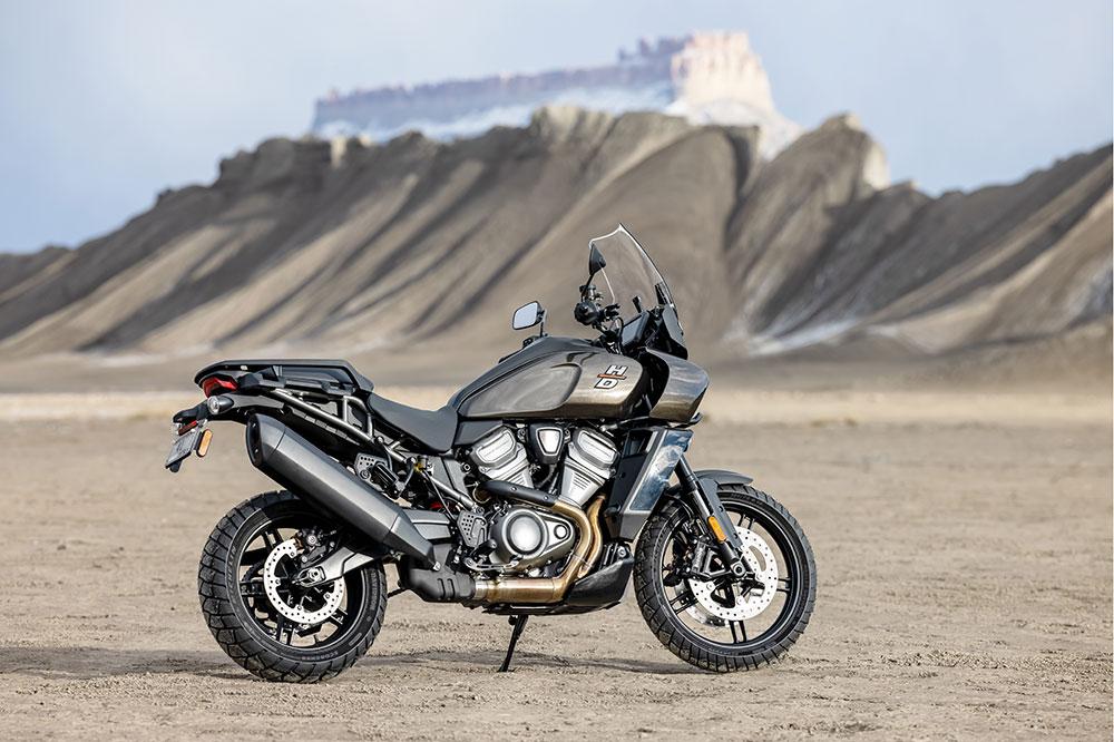 Harley Davidson ofrece una moto trail de aspecto muy rompedor, que desde sus orígenes ha sido objeto de todo tipo de comentarios