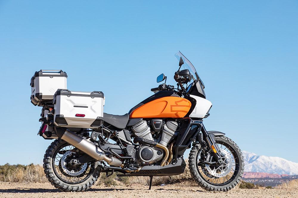 Harley Davidson ofrecerá varias tipos de maletas como estas de aluminio tipo trail, junto con otras de corte deportivo o semirrígido