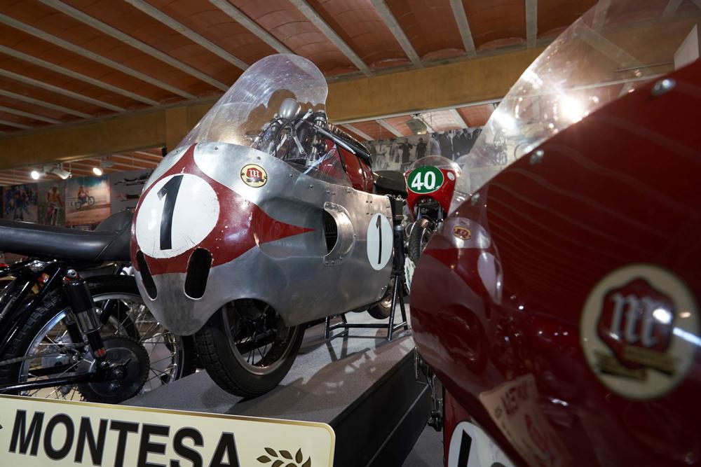 Exposición de Montesa en el Museu de la Moto de Bassella