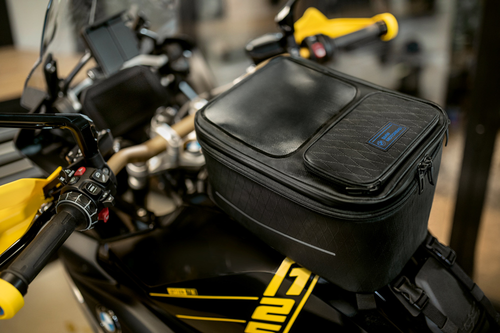 Bolsa sobredepósito Black Collection de BMW