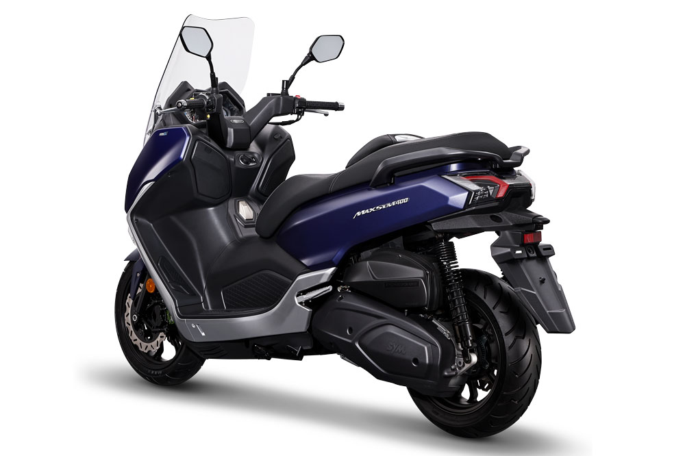Por su tamaño y prestaciones los scooter 400 son perfectos para los que vivimos fuera de las ciudades y tenemos que acudir diariamente a ellas