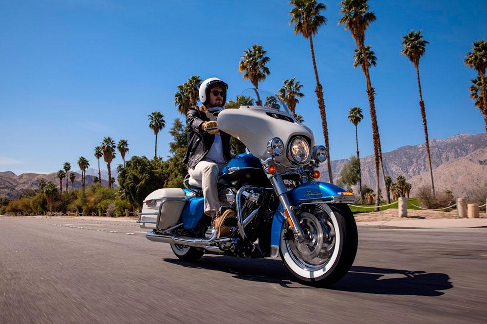 Harley abre un doble camino hacia la recuperación de su tradición y el de la apuesta por el futuro por la LiveWire o sus nuevas Panamerica