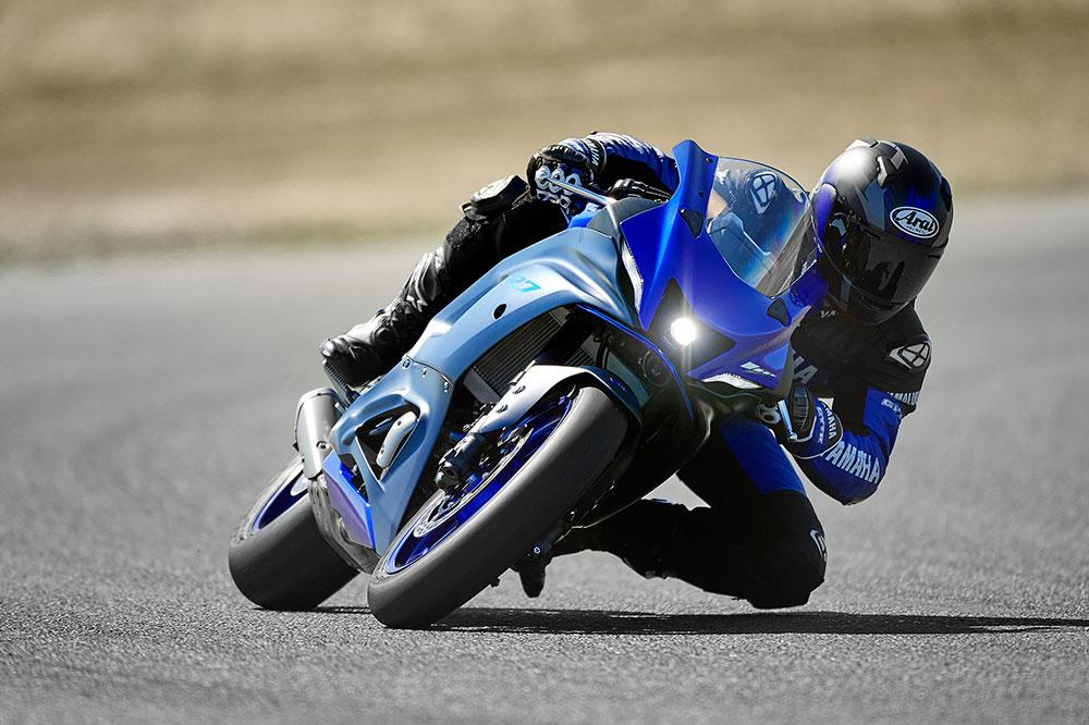 La Yamaha R7 tiene una versión limitada a 35 Kw para poder utilizarse con el carnet A2