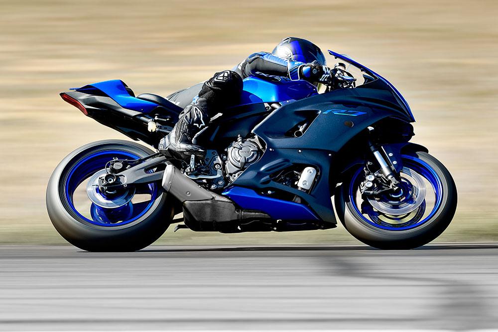 La base de la Yamaha R7 es la superventas MT 07