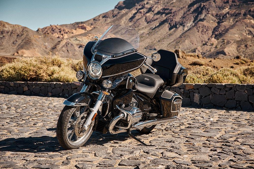 BMW quiere colar un gol en casa de Harley Davidson con una custom touring de corte muy americano