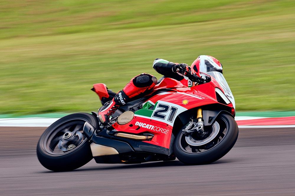 Troy Bayliss ha logrado tres títulos mundiales para Ducati