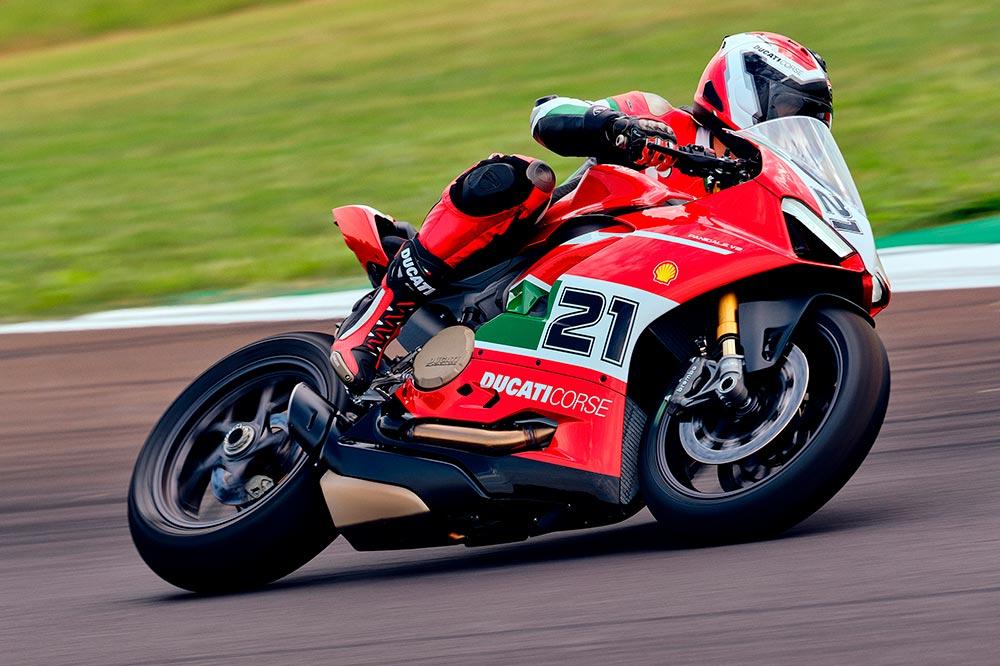 El precio de la Ducati Panigale V2 Troy Bayliss es de 22.490 euros
